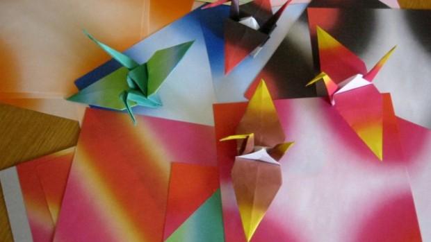 Cocottes en papier colorées