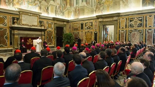 pape françois devant la congrégation pour le clergé - octobre 2014